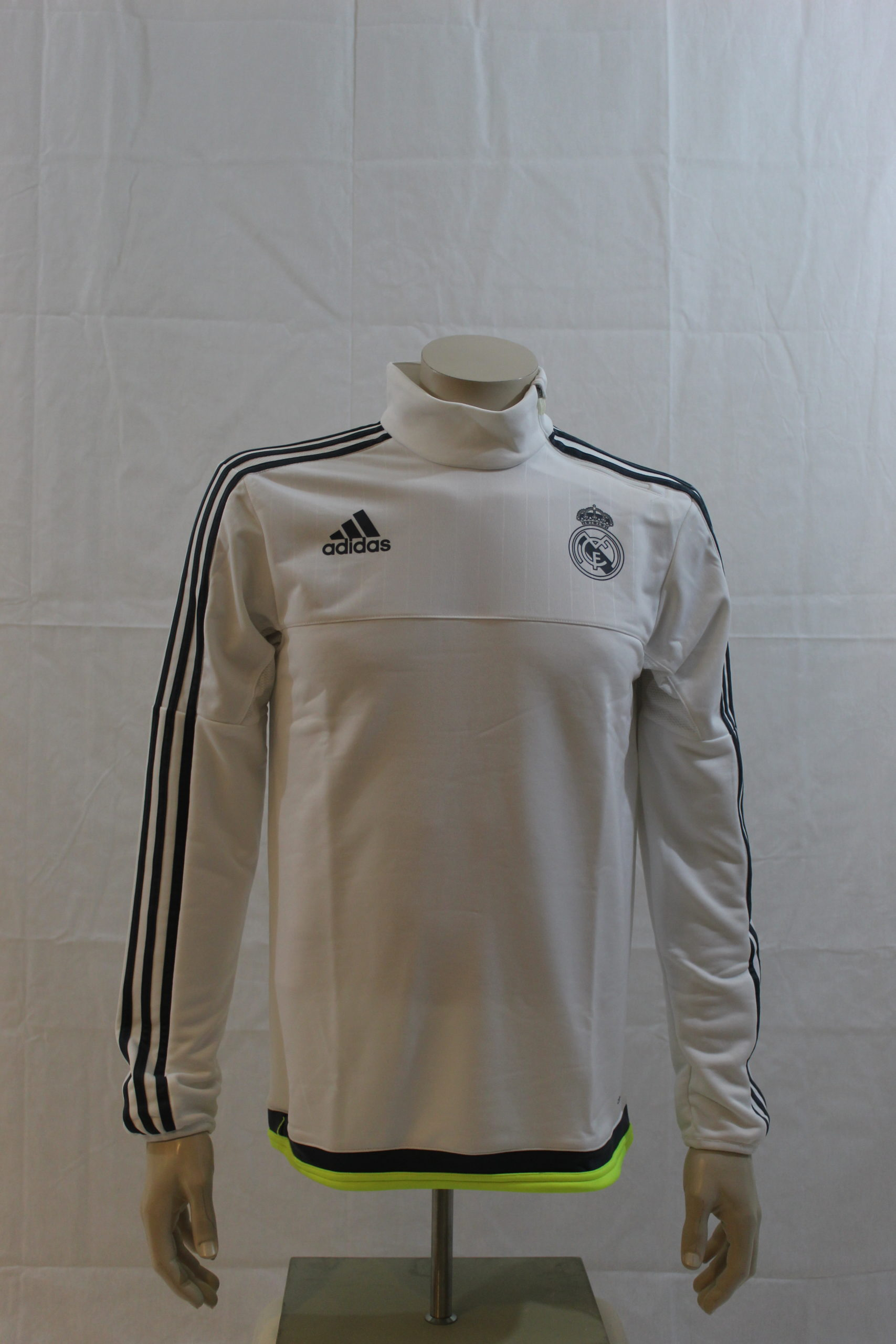 Bergmansport-voetbal-trainingsshirt-real-madrid